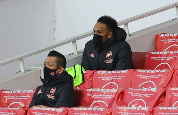 Arsenal's Pierre-Emerick Aubameyang on the substitutes bench