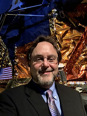 Andrew Chaikin wrote A Man in the Moon after a decade of interviewing the majority of the Apollo astronauts.