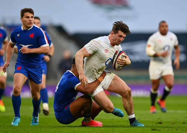 Tom Curry is tackled by Teddy Thomas during an outstanding individual performance