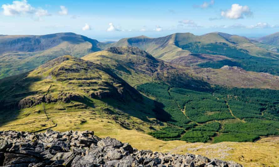 The Nantle Ridge, Snowdonia seen from Moel Hebog to the south. Snowdonia, North Wales, UK
