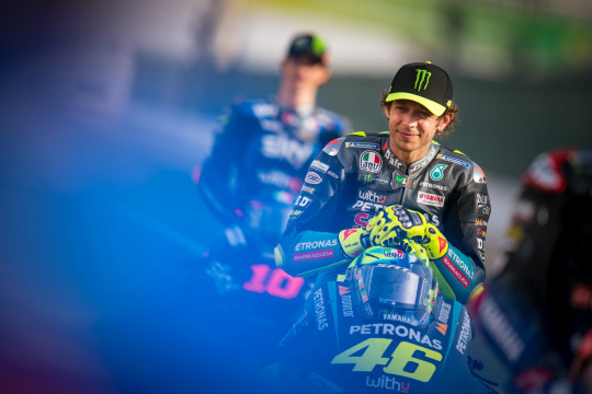 DOHA, QATAR - MARCH 25: Valentino Rossi of Italy and Petronas Yamaha SRT at the starting grid for the season photos ahead of the MotoGP of Qatar at Losail Circuit on March 25, 2021 in Doha, Qatar. (Photo by Steve Wobser/Getty Images)