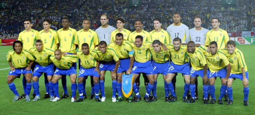 Roque Júnior and his Brazil teammates at the World Cup in 2002.