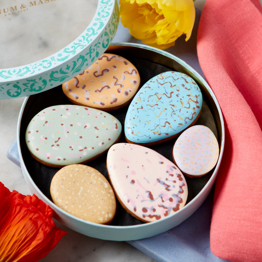 Clutch of Eggs Iced Biscuits