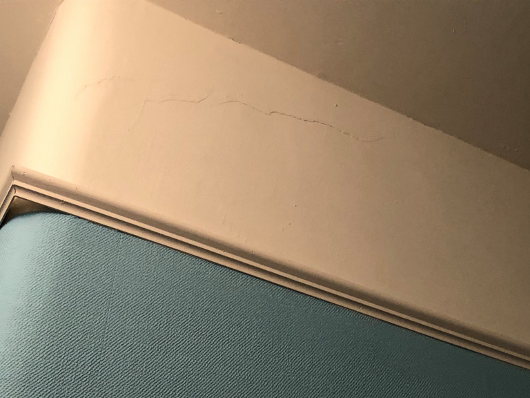 What I Rent: Elizabeth, a one-bedroom flat in Glasgow - crack in plaster on wall