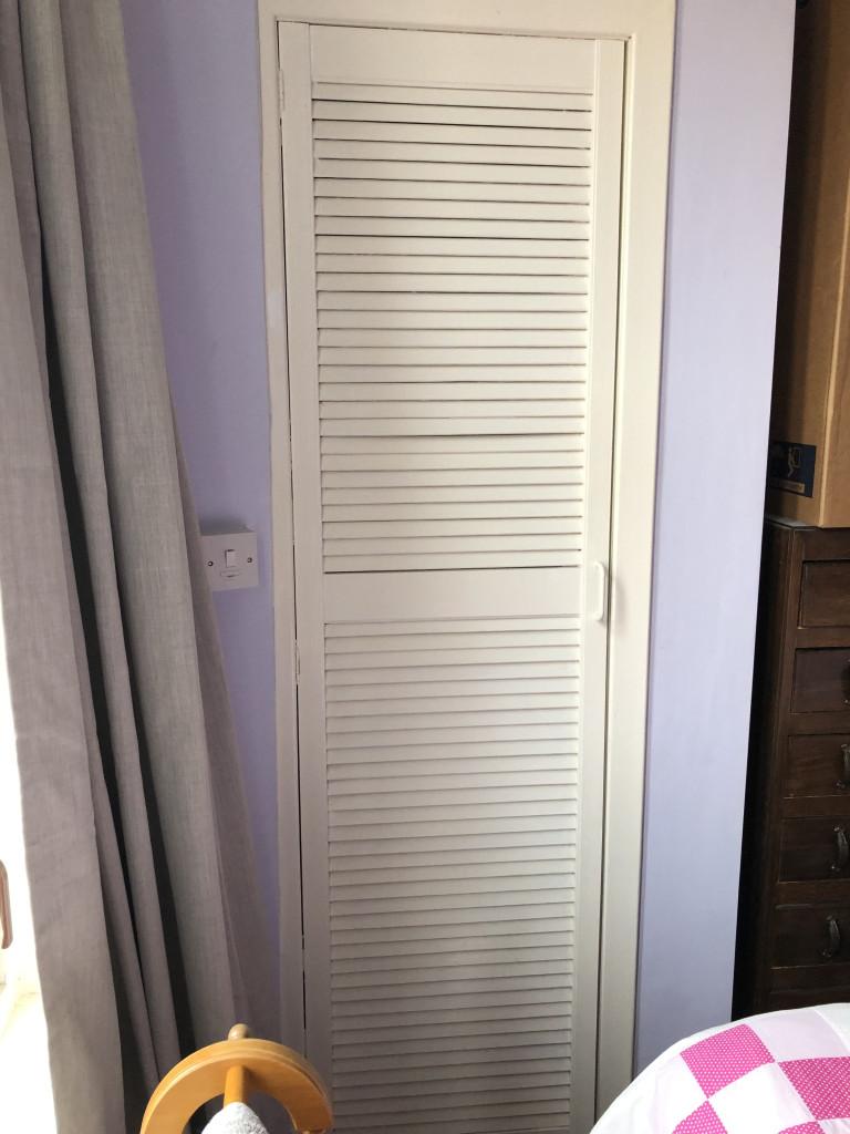 What I Rent: Elizabeth, a one-bedroom flat in Glasgow - white cupboard door in one-bedroom flat