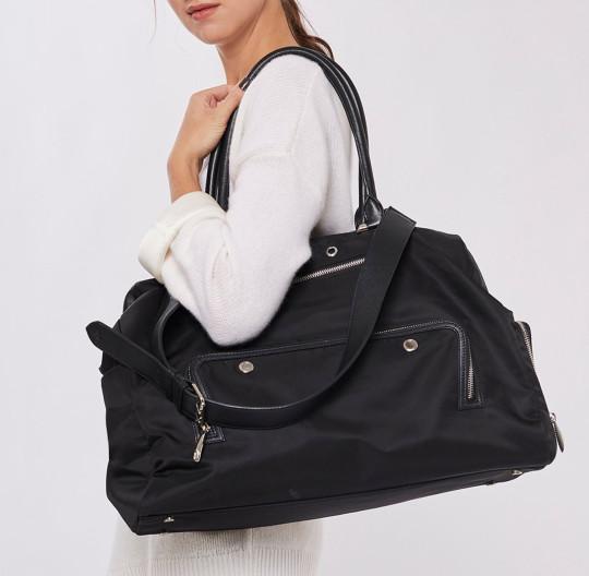 Grace Gym Bag in Black