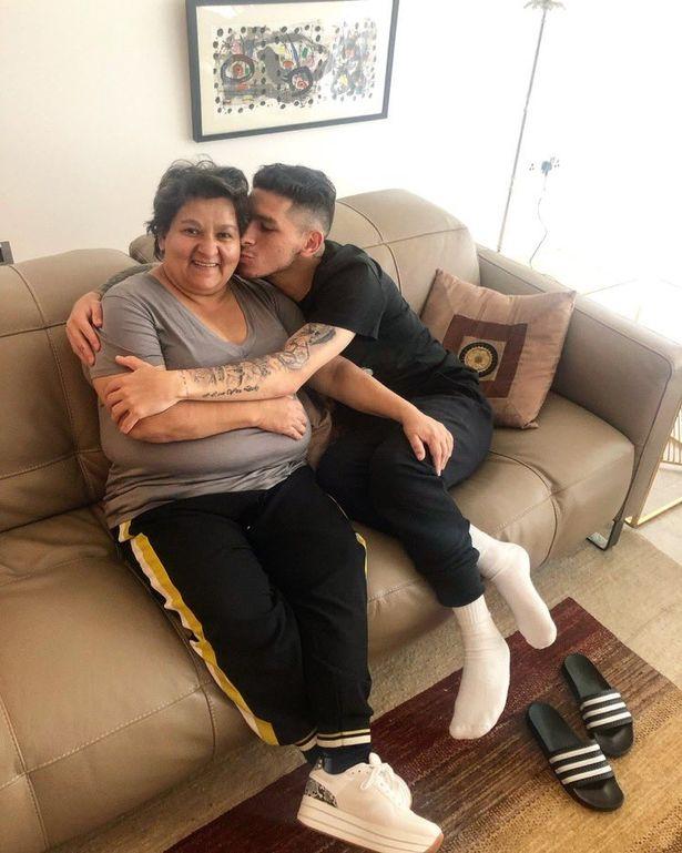 Viviana Di Pascua with her son Lucas Torreira