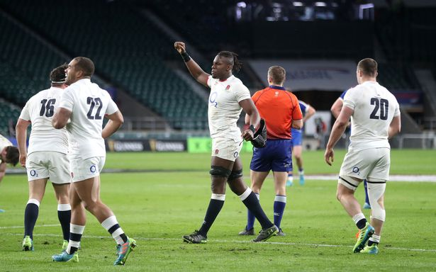 Itoje celebrates at the end of a Le Crunch classic at Twickenham