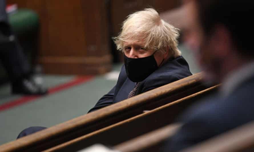 Boris Johnson in mask in Commons