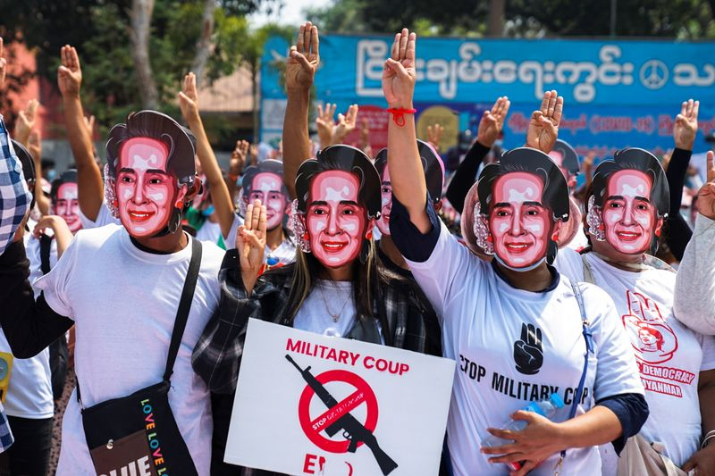 Southeast Asian ministers aim to encourage Myanmar talks as crisis intensifies