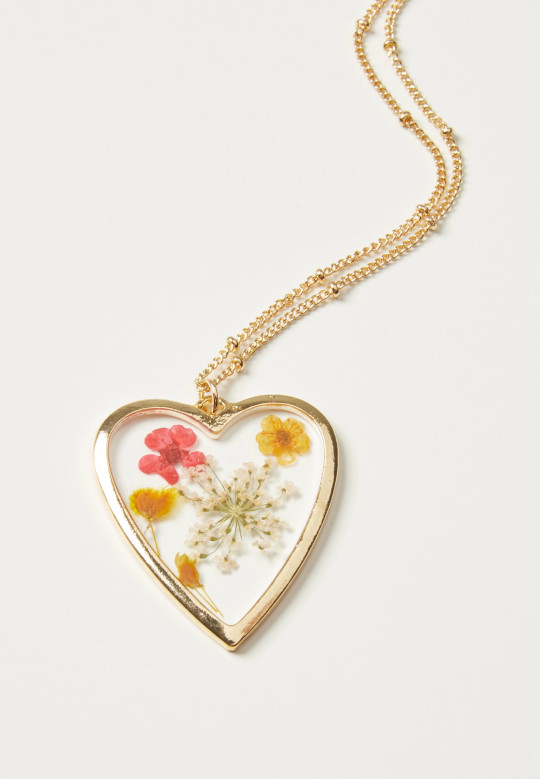 Oliver Bonas pressed pink, yellow, white flowers in clear resin heart, gold chain necklace