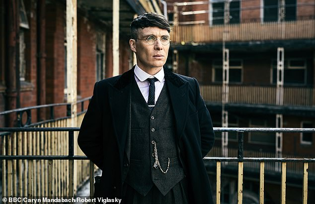 Parallel:Gangs Of London relies on thriving commercial London backdrops, fast cars, and the kind of high-caliber guns Tommy Shelby could only dream of
