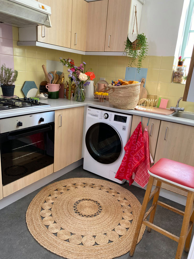 what I Rent: Zeena, one-bedroom flat in Hackney - the kitchen