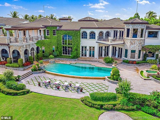 Lovely: The political power couple forked out $9.7 million for an 11,000-square-foot mansion in the exclusive gated community of Admirals Cove