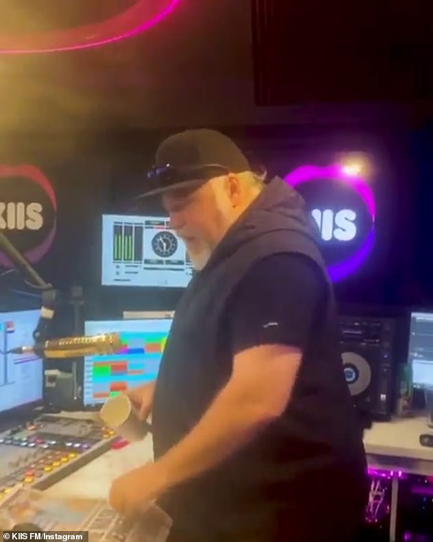 'They're judging what I look like': Despite his confidence between the sheets, the KIIS FM host admitted that he hates being seen from the side