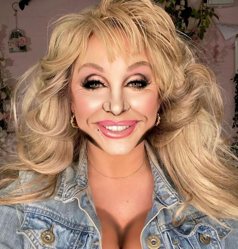 Liss Lacao as Dolly Parton