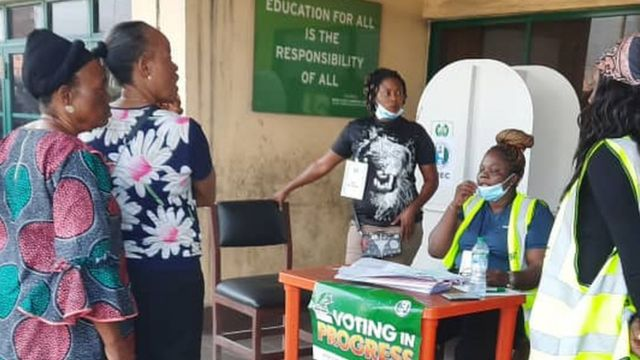 Voters dey wait Party agents to arrive before dem go begin voting