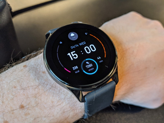The OnePlus Watch is only available in one size (Metro.co.uk)