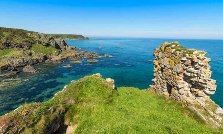 The ruins of Findlater Castle, with North sea beyond