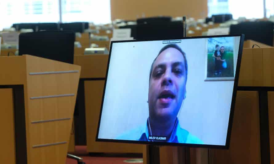 Vladimir Milov takes part at a video hearing at the European parliament in November 2020.
