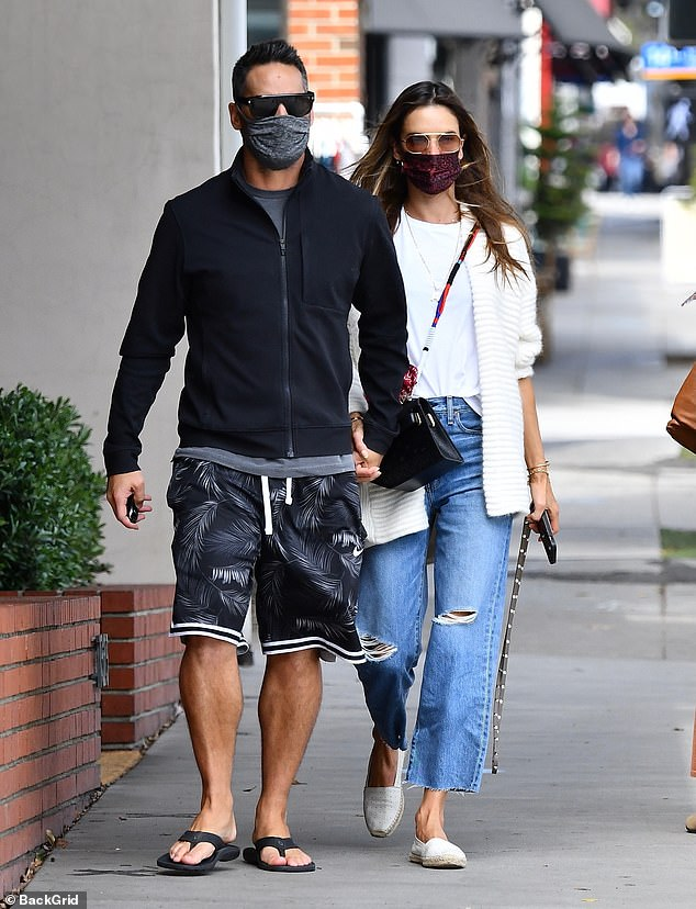 Sweet: Alessandra Ambrosio put on a loved up display with her beau Richard Lee on Wednesday afternoon