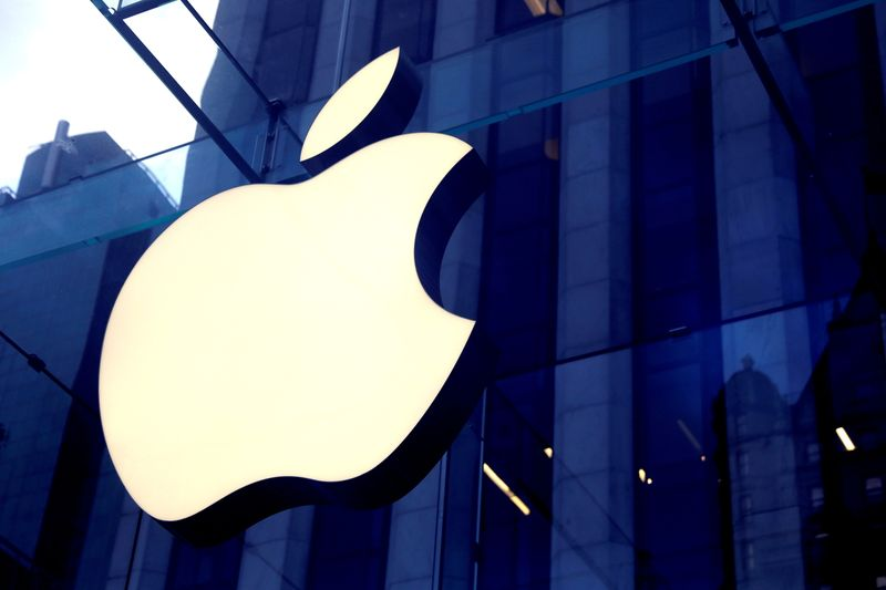 Apple backs far-reaching emissions disclosure rules