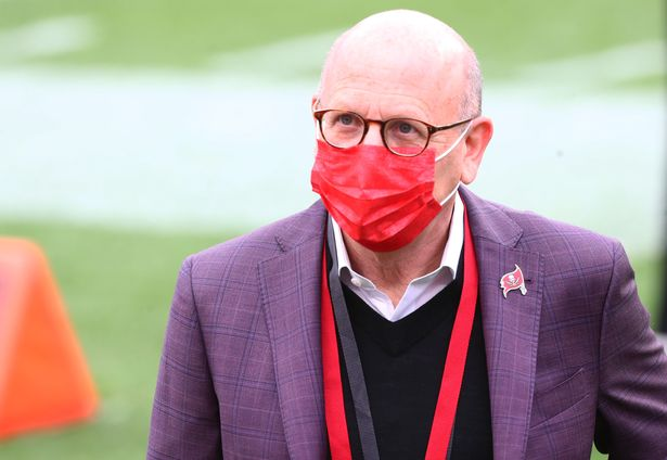 Glazer says the debt won't affect United's spending