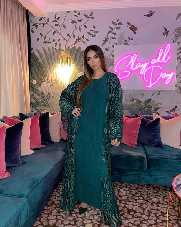 Faryal Makhdoom looked stunning in her teal dress