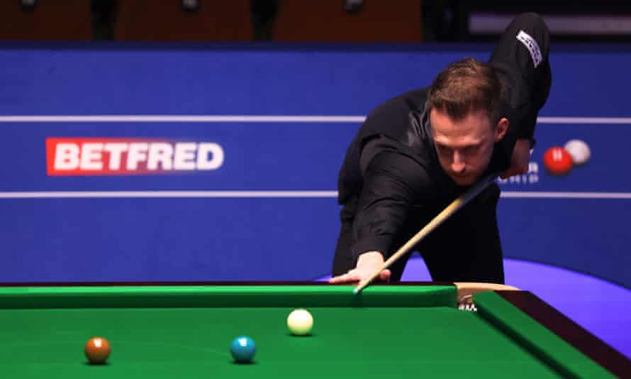 Judd Trump leads his first-round match against Liam Highfield 7-2.