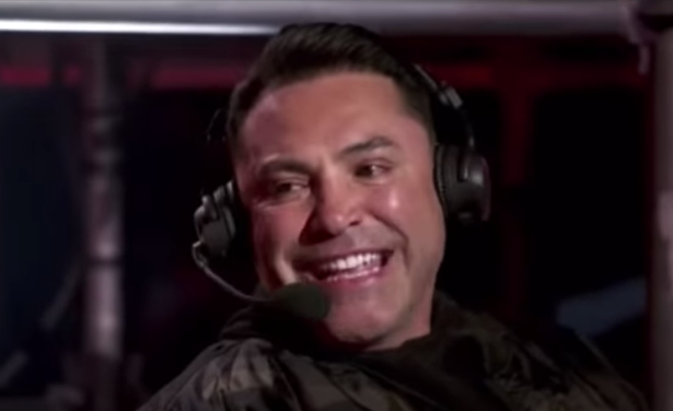 Oscar De La Hoya has apologised for drinking before going on to commentary