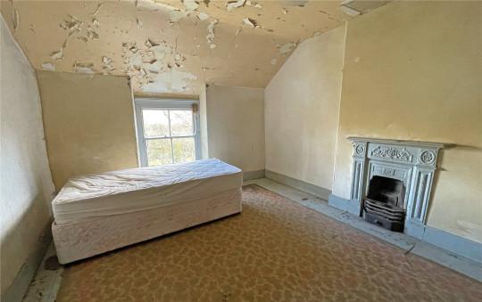 bedroom in snowdonia farmhouse