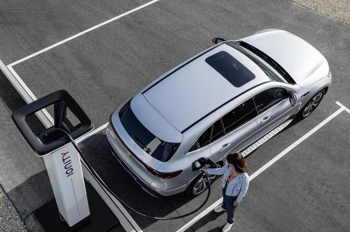 Mercedes-Benz EQC 2021: charging