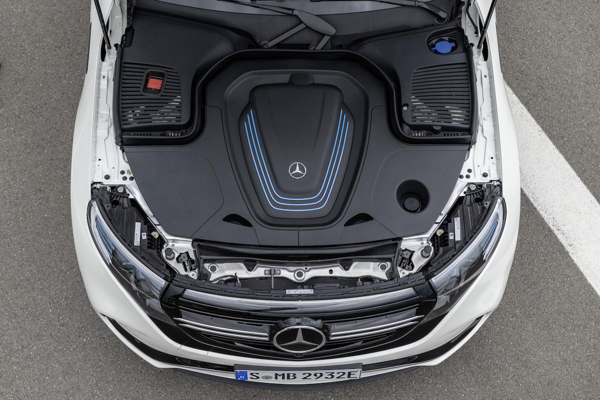 Mercedes-Benz EQC 2021: hood