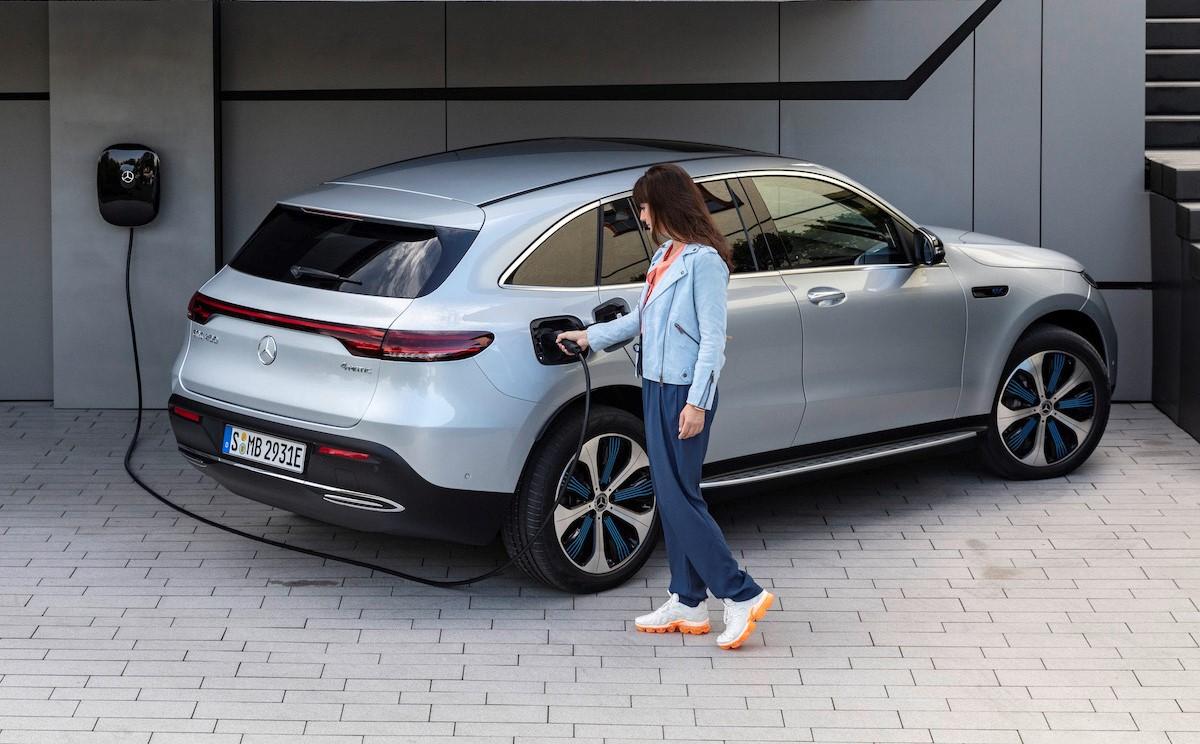 Mercedes-Benz EQC 2021: home charging