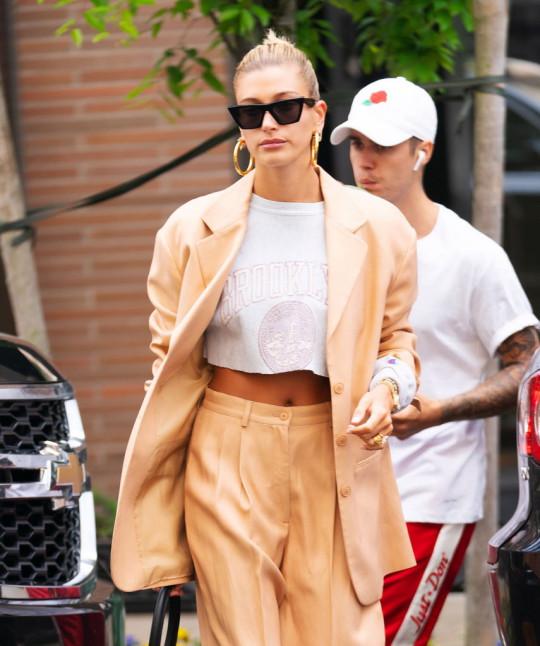 hayley bieber wearing a big blazer in new york