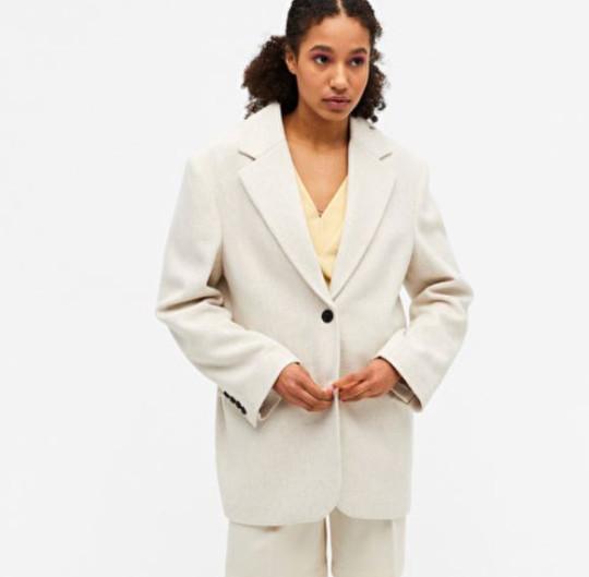 monki beige blazer