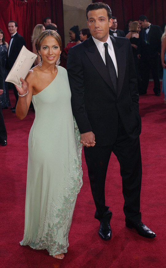 Actors Jennifer Lopez and her fianc Ben Affleck arrive for the 75th annual Academy Awards Sunday, March 23, 2003, in Los Angeles where they will be presenters during the show. (AP Photo/Kim D. Johnson)...A...ENT...LOS ANGELES...CA...USA