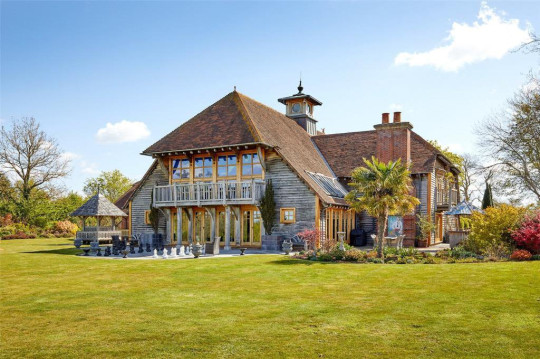 Nautical themed house for sale on Right Move Dorsington, Stratford-upon-Avon, Warwickshire, CV37 Guide Price ?4,000,000 MARKETED BY Savills, Stow-On-The-Wold //www.rightmove.co.uk/properties/107618687#/