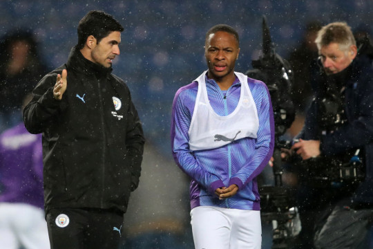 Mikel Arteta speaks with Raheem Sterling after Manchester City's Carabao Cup clash with Oxford United