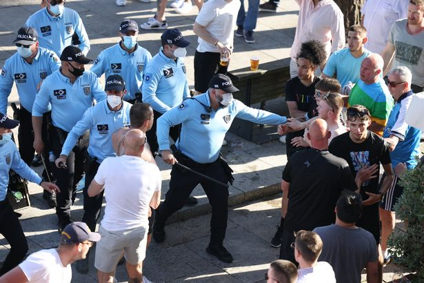 Police has been needed to control fans in Porto