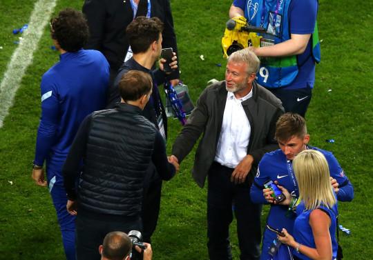 Thomas Tuchel celebrating with Chelsea owner Roman Abramovich