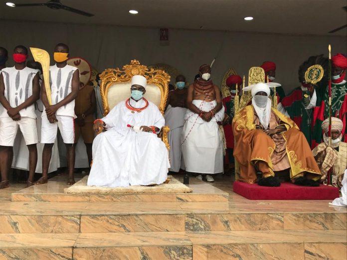 The Emir of Kano, HRH, Aminu Ado-Bayero, during his courtesy visit to his Benin Kingdom counterpart, Oba Ewuare ll on Saturday