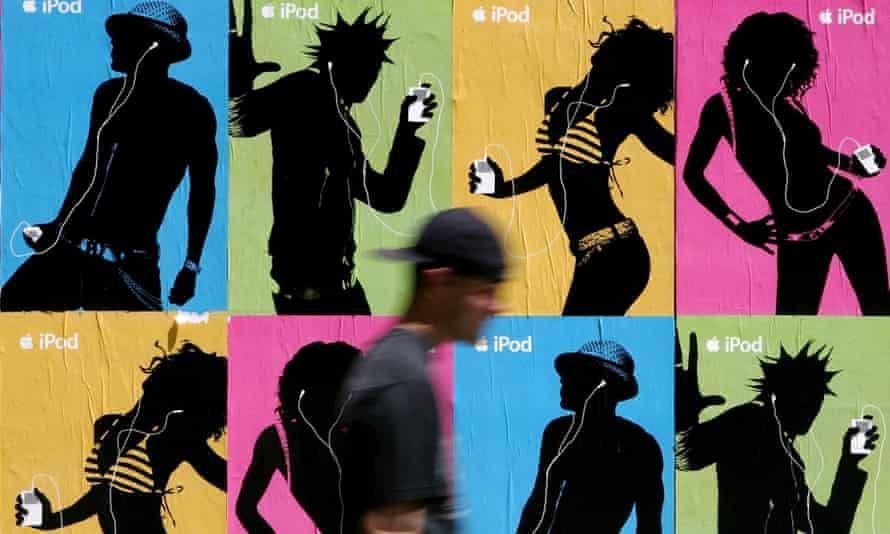 Apple iPod advertisements in San Francisco, 2005.