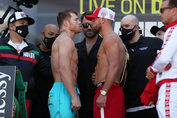 Canelo Alvarez and Billy Joe Saunders face off