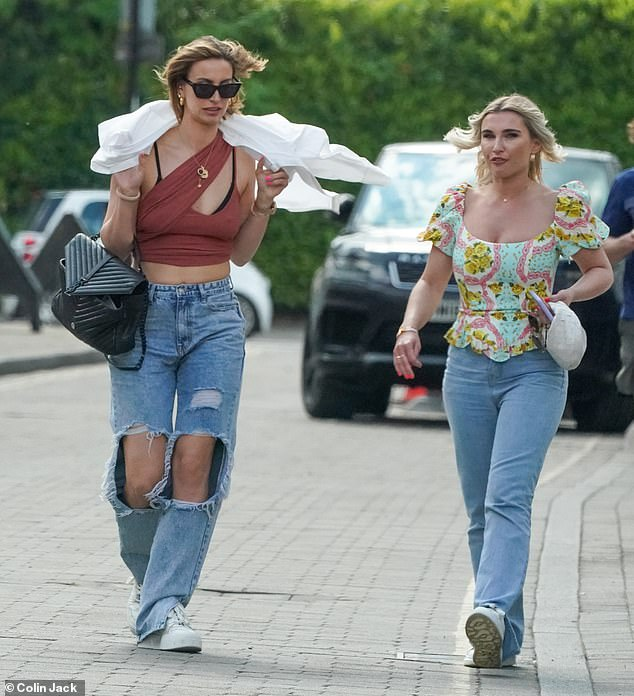 Ab fab:Ferne McCann displayed her toned abs as she joined BFF Billie Faiers for lunch at Italian restaurant Figo Brentwood in Essex on Thursday (L-R)
