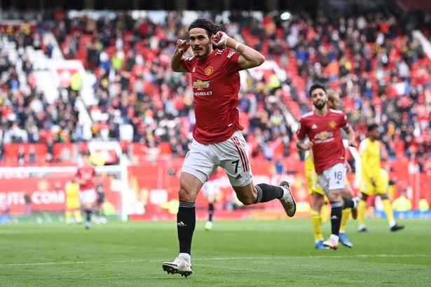 Cavani celebrates his sublime effort