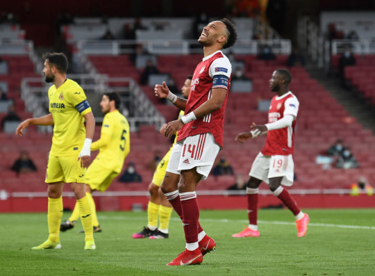 Paul Merson couldn't understand the decision to take off Pierre-Emerick Aubameyang against Villarreal