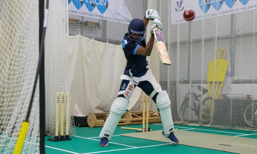 Tawanda Muyeye in the nets at Sussex in 2018.