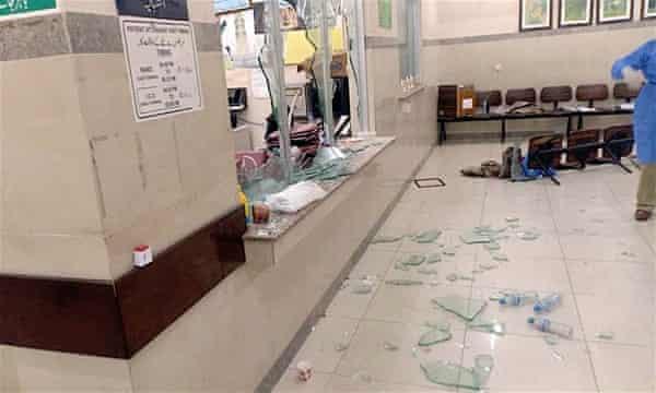 A mob barged into the ward at Jinnah Postgraduate Medical Centre in Karachi and vandalised it.