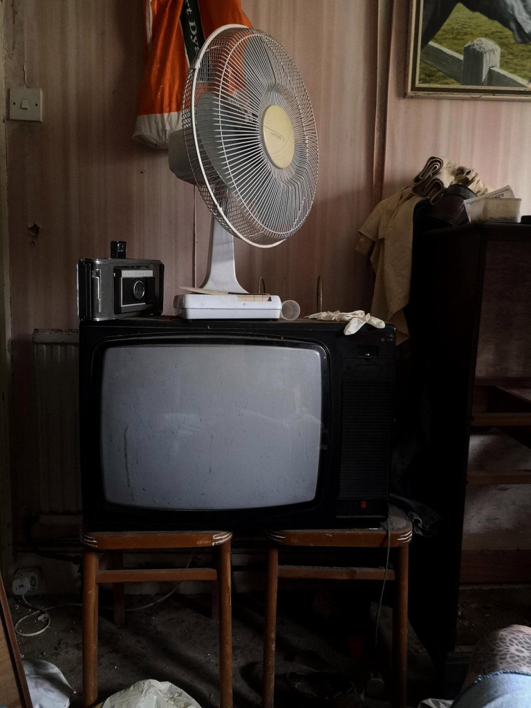 Inside the urban explorers found lots of retro items including vintage cameras and TVs